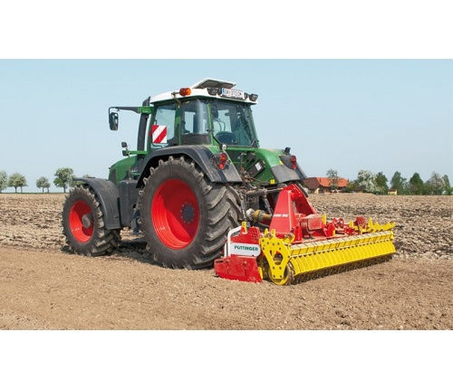 pottinger-power-harrow-lion-working-01