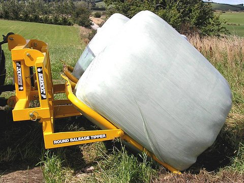 James Round bale tipper